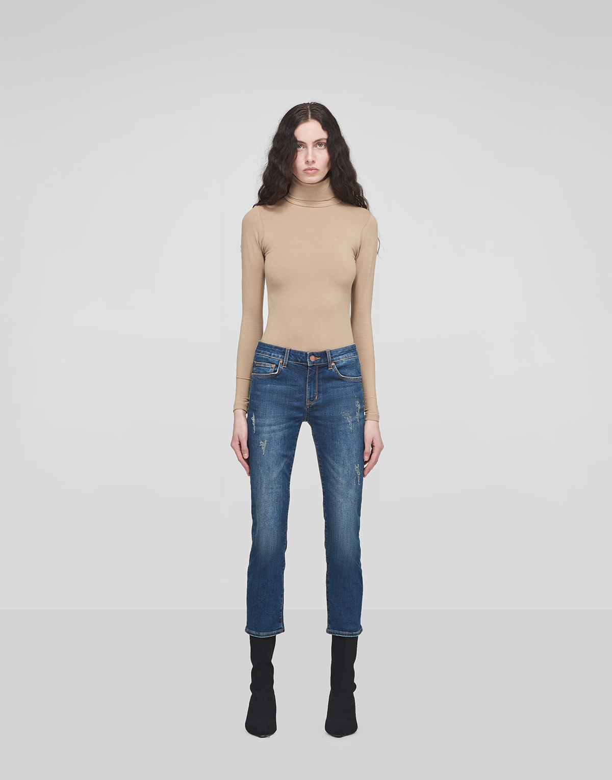Stonewashed Cropped Jeans